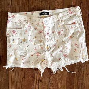 NEW Peach & Pink Floral EXPRESS Buttonfly Shorts